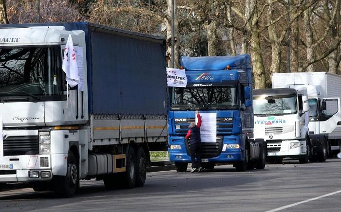 """Maltempo: Conftrasporto, """"rimuovere divieti di circolazione per i tir"""""""