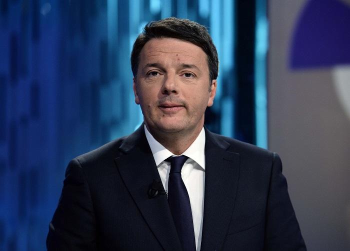 """Renzi: """"un governo con il Pd non aumenterà mai l'Iva"""""""